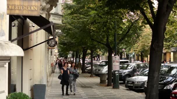 pařížské ulice (Praha) - ulice s obchody luxusního zboží