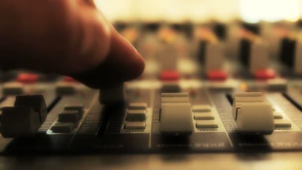 studio tunu směšovače zvuku