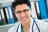 Lékař s úsměvem