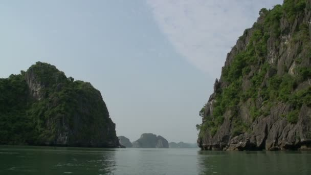 Sailing through the mountains in Ha Long Bay