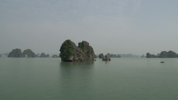 Sailing through the mountains from Ha Long Bay
