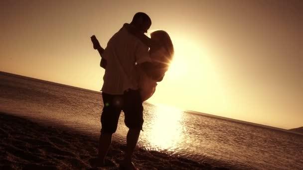 romantický pár na pláži