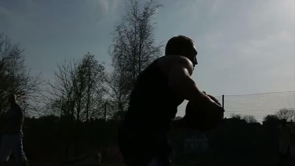 kosárlabda játékos a labdát a képzelet divat ürít kehelyt