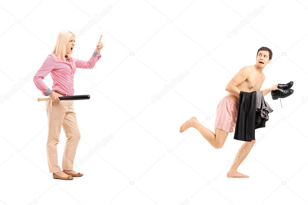 видео девушек убегает дома от мужчины - 4
