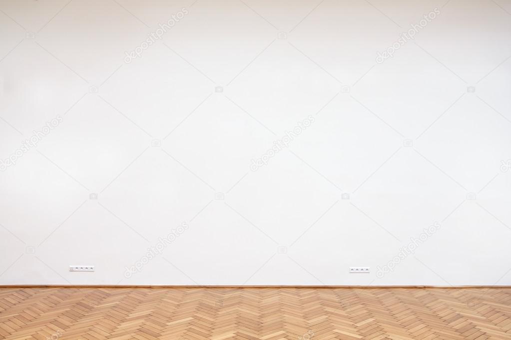 Houten Vloer Tegels : Naadloze overgang tegels naar houten vloer gerealiseerd door for