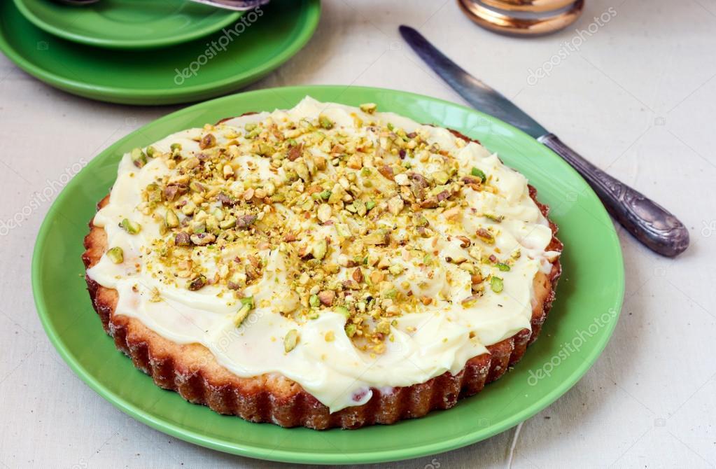Pfirsich Pistazien Und Weisse Schokolade Kuchen Stockfoto
