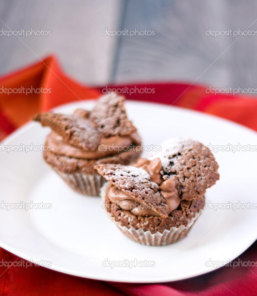 Schokolade Schmetterlinge Kuchen Stockfoto C Manyakotic 48178845