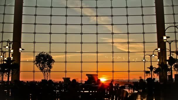 letiště cestující čas zanikla Lidé silueta západ slunce