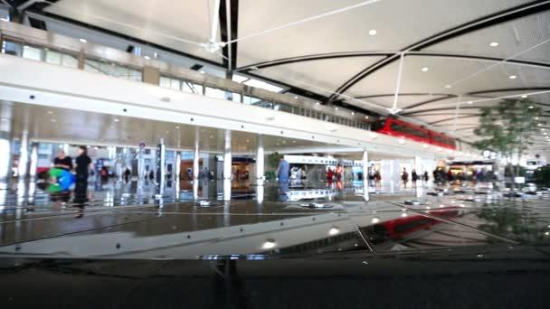 letiště cestující