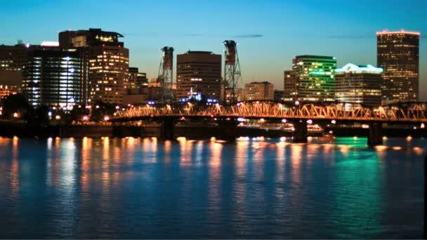 Paesaggio urbano di Portland del ponticello di Hawthorne