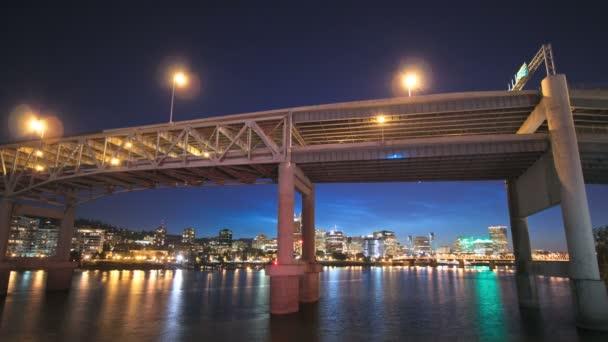 Paesaggio urbano di Portland del ponte Marquam