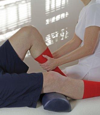 Splitting the calf muscle