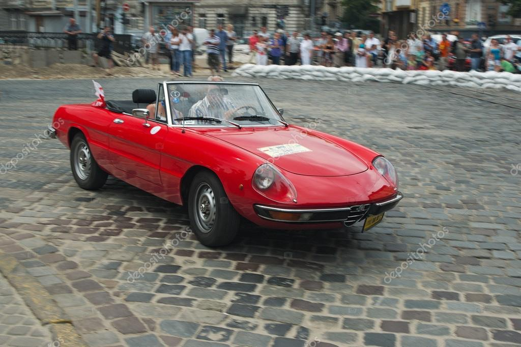 Attractive Vintage Red Alfa Romeo Car At Retro Car Racing U2014 Stock Photo