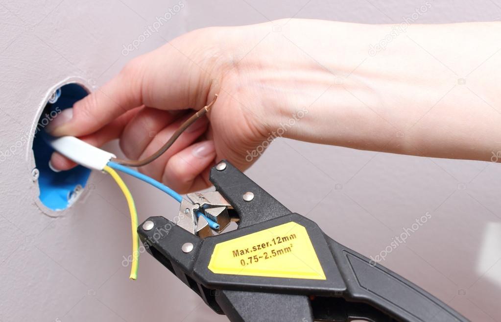 die Isolierung von elektrischer Leitungen — Stockfoto #49786667