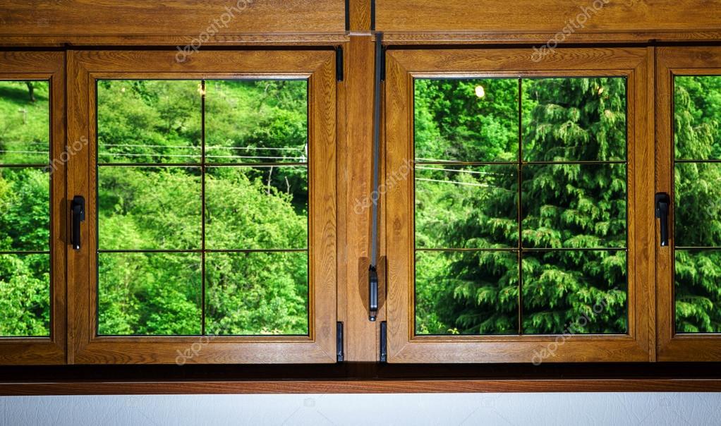Ventanas Pvc Stock.Ventanas De Pvc Laminado En Casa Villagr Foto De Stock