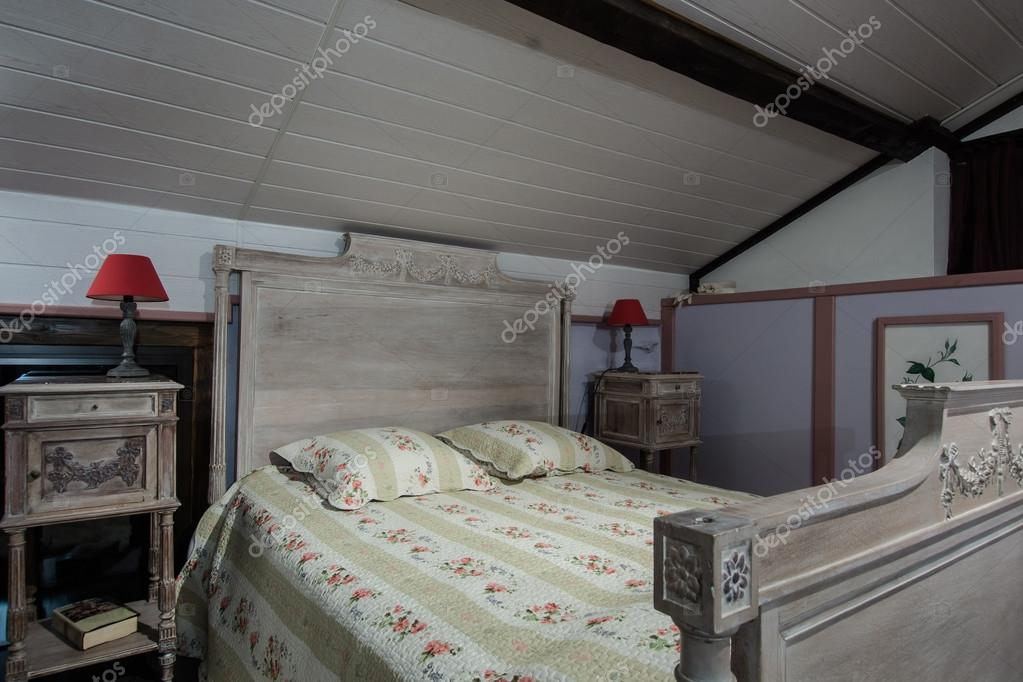 Interno camera da letto in casa francese — Foto Stock ...