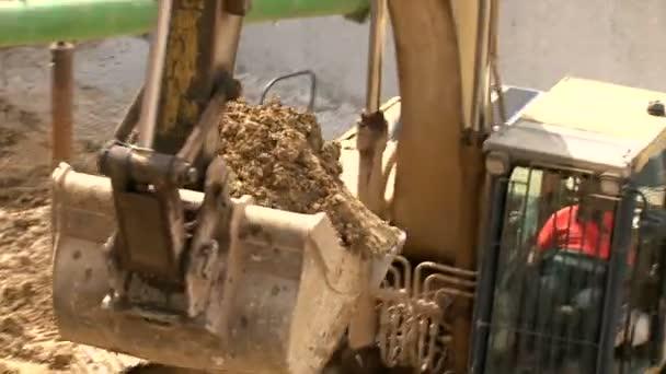 práce 03 buldozer náplň sklápěč