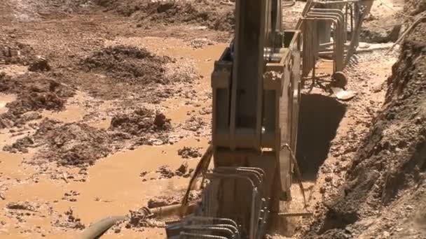 práce 02 kopat příkop