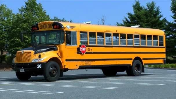 školní autobus parkoviště