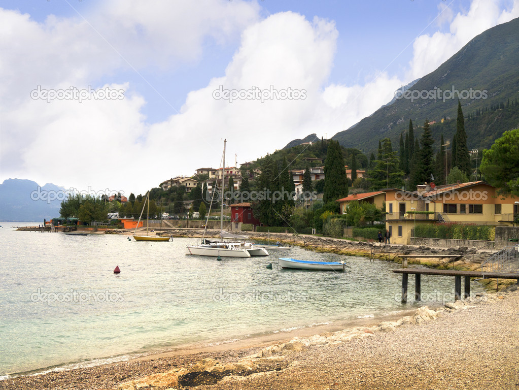 malcesine chat Chat live or call 1-800-454-3743 any time for help booking your hotels in malcesine our team of experts can help you pinpoint malcesine hotels options suited to your tastes and budget.