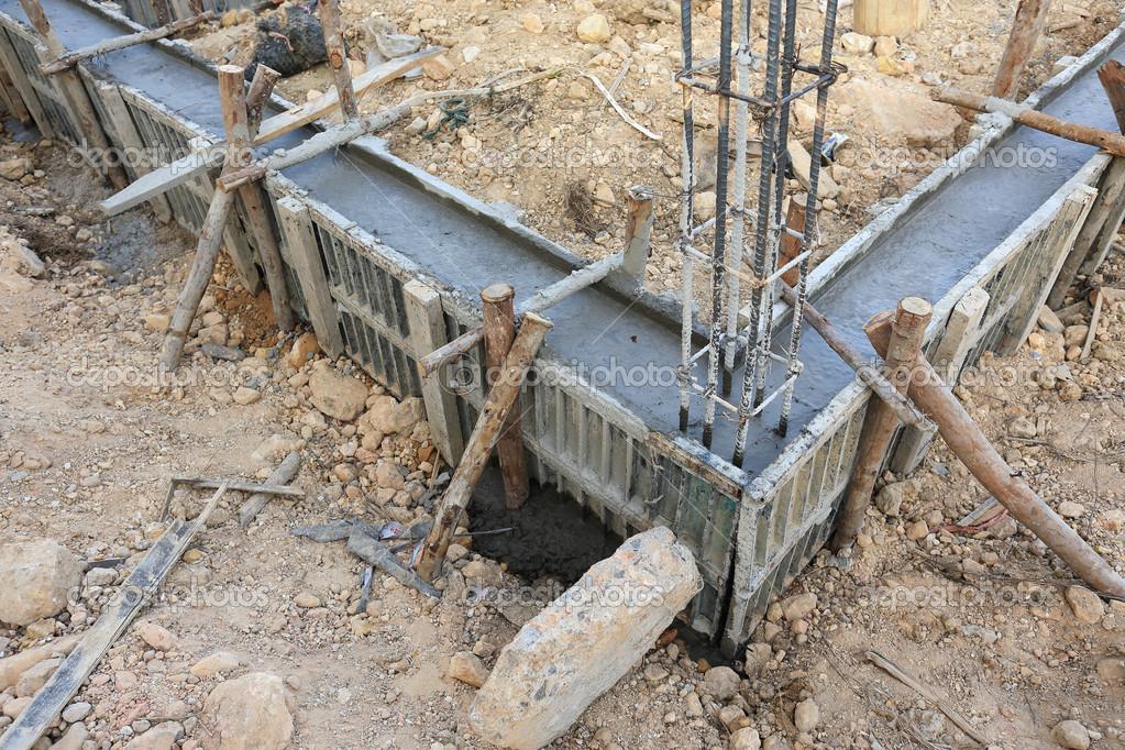 casa de construccin estructura metlica de refuerzo para hormigonado u foto de sutichak