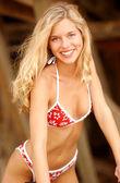 Aranyos piros, fehér virágos Bikini - szőke Natalie
