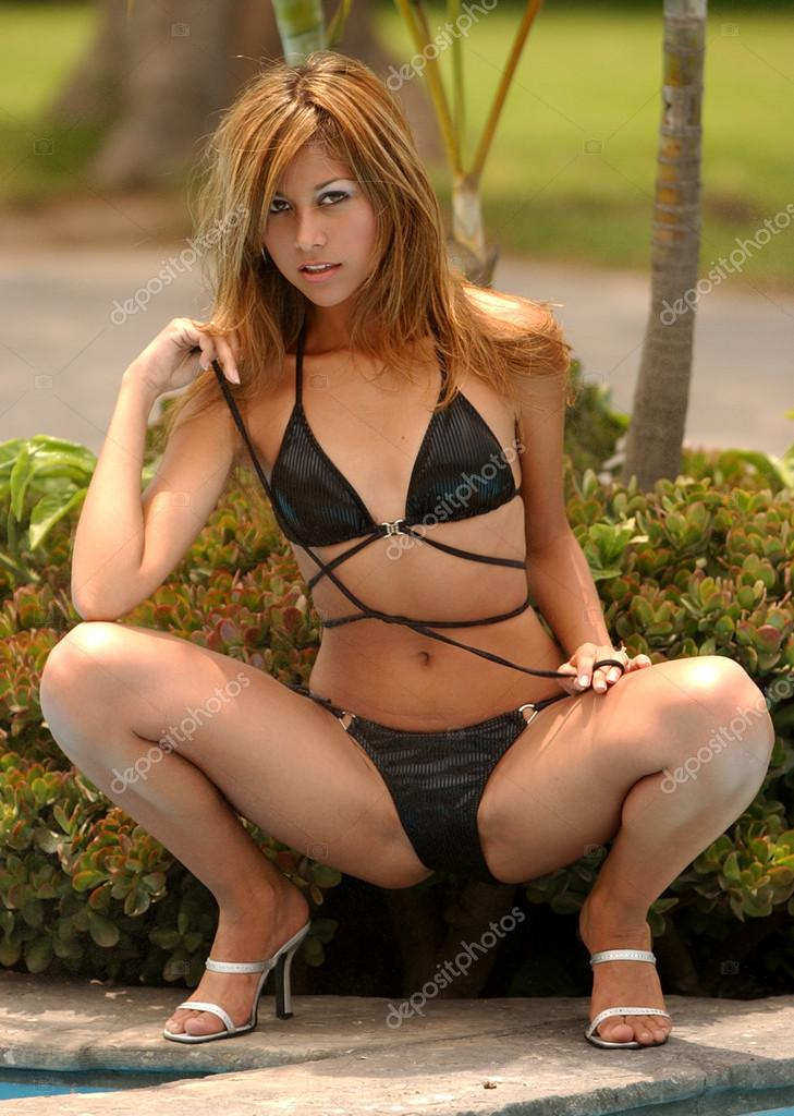 Joelle fotos modelo bikini