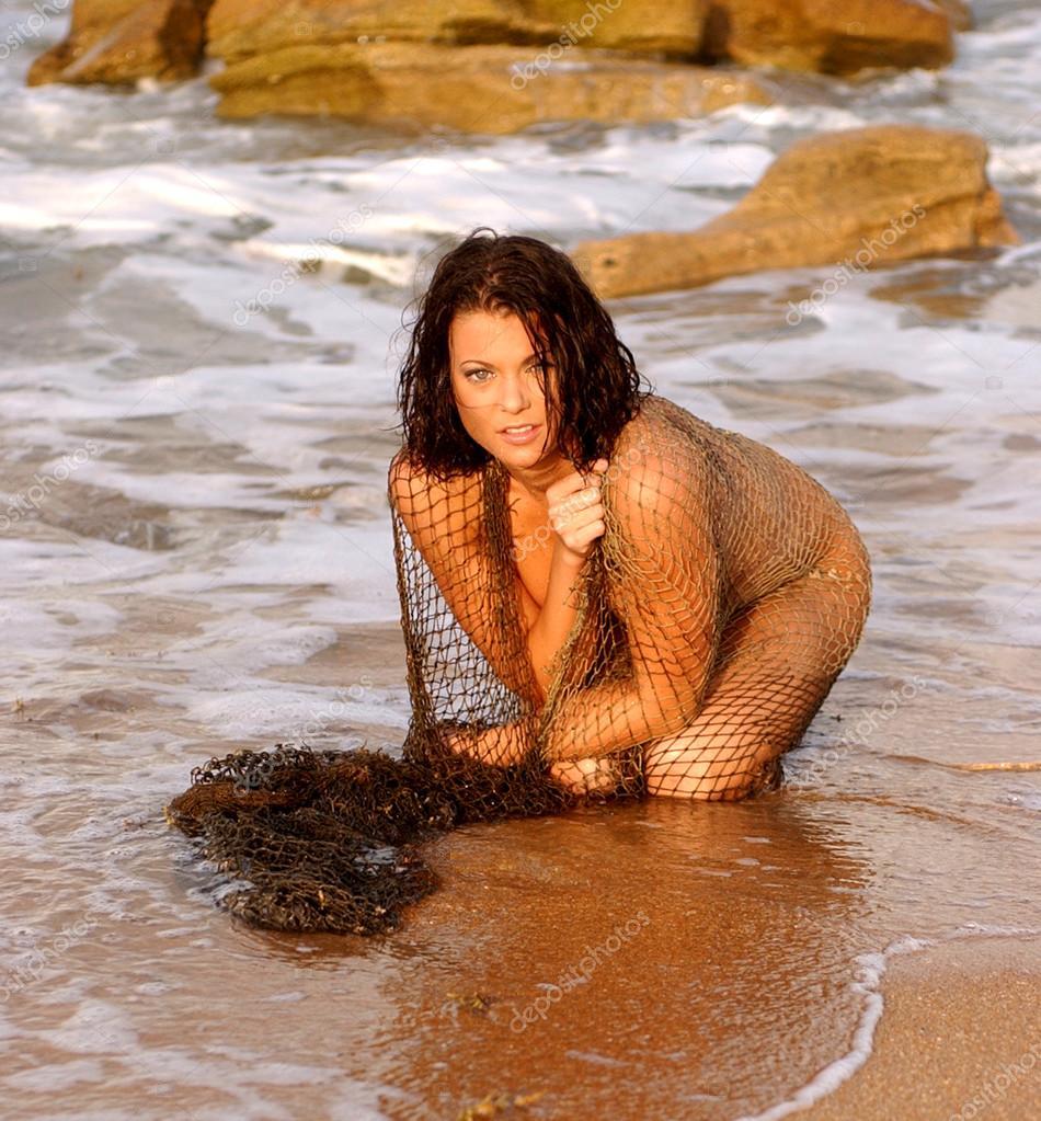 Sexy isla fisher nude