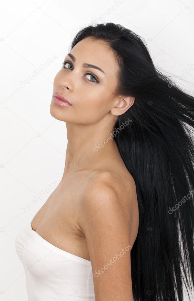 Image femme cheveux long noir