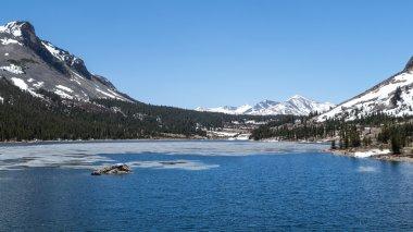 Yosemite National Park - Mountain Lake