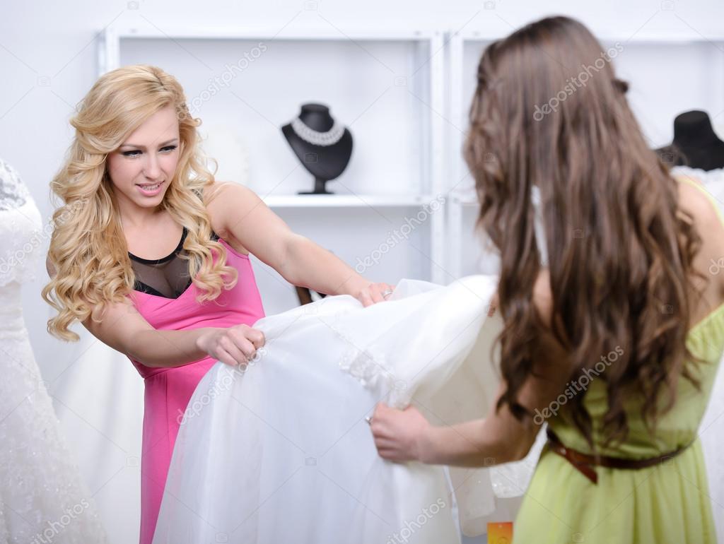 53d0592c84 comprar vestido de novia — Foto de stock © vadimphoto1 gmail.com ...