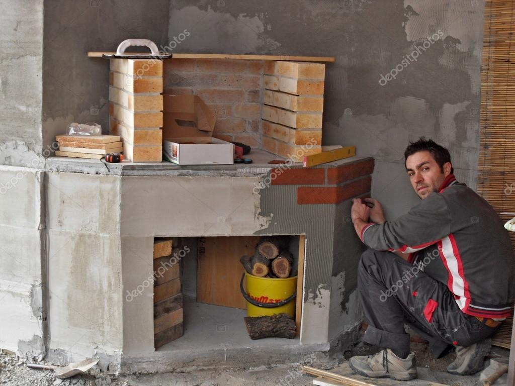 Construire Une Cheminee construire une cheminée extérieure — photographie rades © #51522161