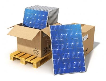Foto de La tecnología de generación de energía solar creativa, energía y medio ambiente protección ecología empresarial concepto alternativo: Grupo de paneles apilados batería solar embalado en caja de cartón en tarima preparada para instalación y montaje aislaron en blanco b - Imagen libre de derechos