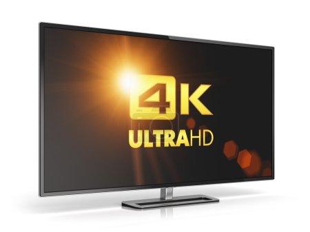 Photo pour Concept créatif abstrait de technologie d'écran de télévision numérique ultra haute définition : écran de télévision 4K UltraHD ou écran d'ordinateur isolé sur fond blanc avec effet de réflexion - image libre de droit