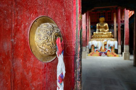 Door in Buddhist temple.