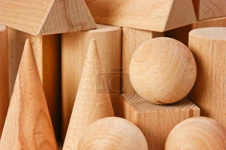 Geometrische Formen aus Holz