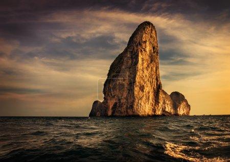 Photo pour L'île de phi phi leh Krabi, Thaïlande - image libre de droit