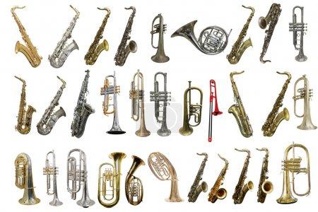 Photo pour L'image des instruments à vent isolés sous un fond blanc - image libre de droit