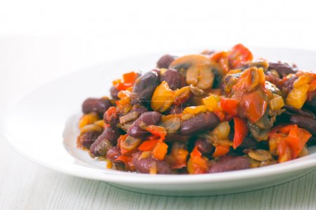 Red beans with mushrooms and vegetables