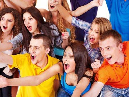 Photo pour Groupe Happy sport fan Bravo pour. isolé. - image libre de droit