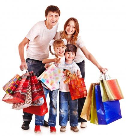 Photo pour Famille avec enfants tenant un sac à provisions. Isolé . - image libre de droit