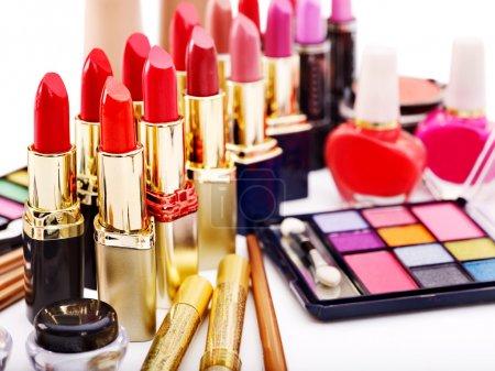 Photo pour Produits cosmétiques décoratifs. isolé. - image libre de droit