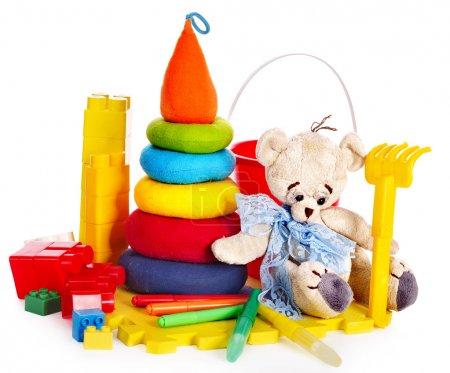 Foto de Juguetes de los niños con oso de peluche. aislado. - Imagen libre de derechos