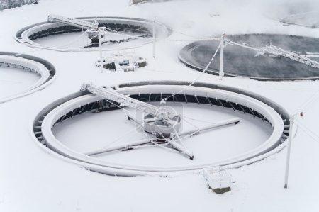 Huge round settlers under snow