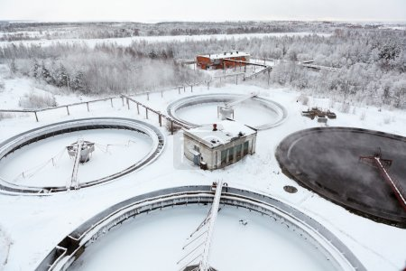 Water treatment in sewage settlers in winter season