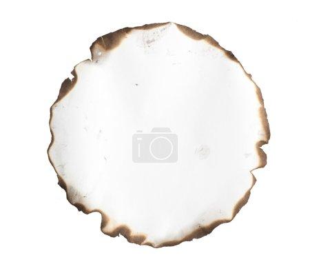 Photo pour Papier brûlé isolé sur fond blanc - image libre de droit