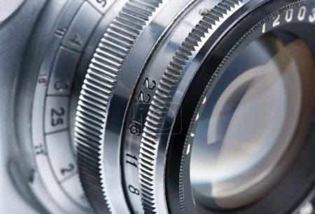Photo pour Gros plan lentille de caméra photo. - image libre de droit