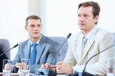 Dva podnikatelé na schůzce