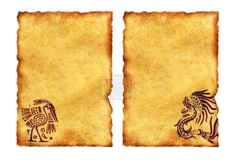 Photo pour Ensemble de parchemins anciens avec des motifs nationaux indiens américains. Isolé sur fond blanc - image libre de droit