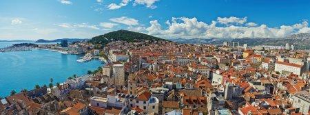 Photo pour Incroyable vue panoramique sur la ville historique de Split en pierre blanche en Croatie - image libre de droit